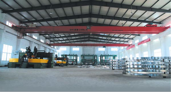EN1092-1-PN40-Alloy-Steel-Flanges-workshop.jpg