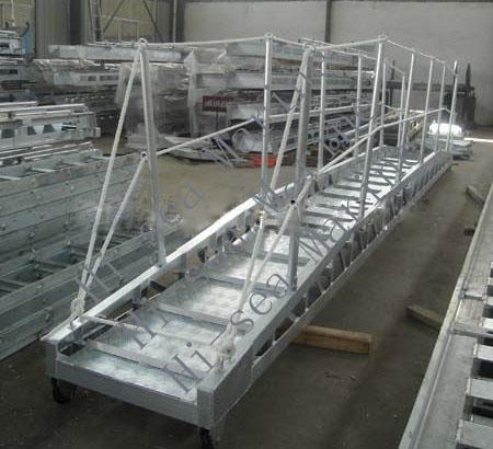 <strong>Aluminum Gangway (Bend Type)</strong>